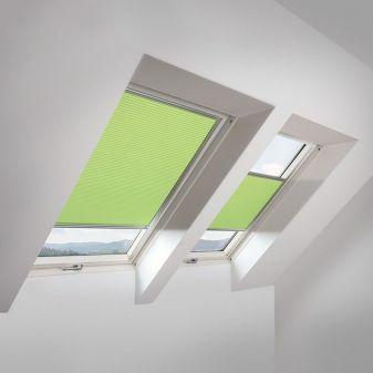 Fakro APF honeycomb plisse groen voor beperking van lichtinval.